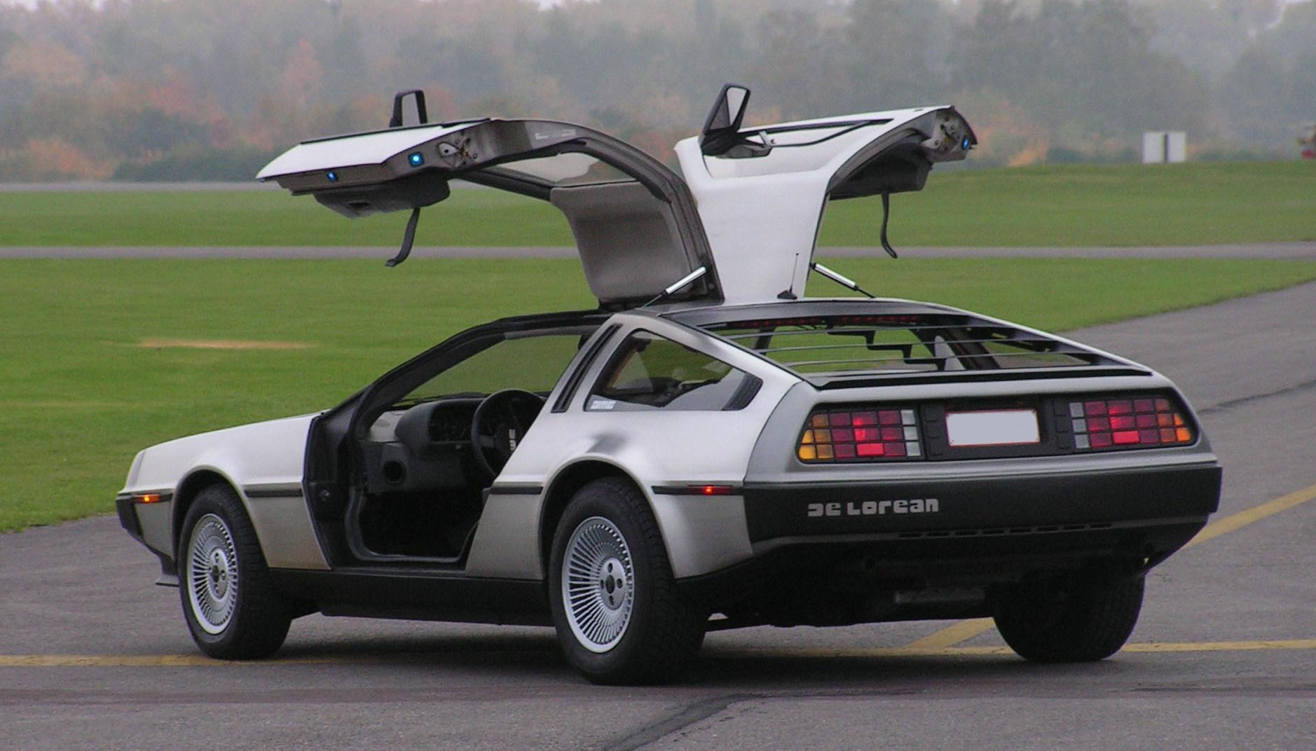 DeLorean hinten links